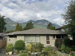 Photo 1: 37963 FOURTH Avenue in Squamish: Downtown SQ House for sale : MLS®# R2496997