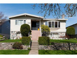 Main Photo: 3043 ROSEMONT Drive in Vancouver: Fraserview VE House for sale (Vancouver East)  : MLS®# V942575
