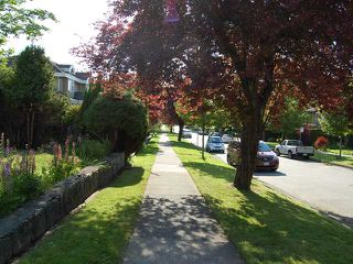 "Photo 2: 720 W 27TH Avenue in Vancouver: Cambie House for sale in ""CAMBIE VILLAGE"" (Vancouver West)  : MLS®# V956605"