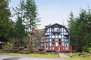 Photo 1: 40402 SKYLINE Drive in Squamish: Garibaldi Highlands House for sale : MLS®# V959450
