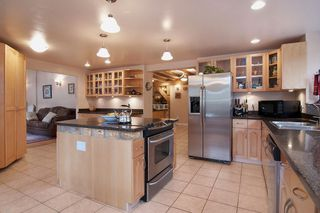 Photo 3: 40402 SKYLINE Drive in Squamish: Garibaldi Highlands House for sale : MLS®# V959450