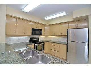 """Photo 5: 109 345 LONSDALE Avenue in North Vancouver: Lower Lonsdale Townhouse for sale in """"THE MET"""" : MLS®# V1017076"""