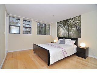 """Photo 2: 109 345 LONSDALE Avenue in North Vancouver: Lower Lonsdale Townhouse for sale in """"THE MET"""" : MLS®# V1017076"""