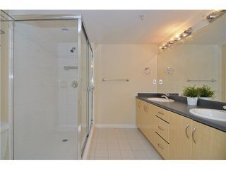 """Photo 3: 109 345 LONSDALE Avenue in North Vancouver: Lower Lonsdale Townhouse for sale in """"THE MET"""" : MLS®# V1017076"""