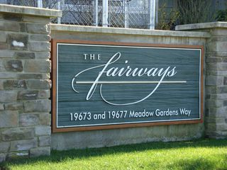 Photo 10: 213 19677 Meadow Gardens Way in The Fairways: North Meadows Home for sale ()