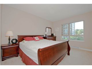 Photo 5: # 411 701 KLAHANIE DR in Port Moody: Port Moody Centre Condo for sale : MLS®# V1002002