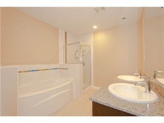 Photo 7: # 411 701 KLAHANIE DR in Port Moody: Port Moody Centre Condo for sale : MLS®# V1002002