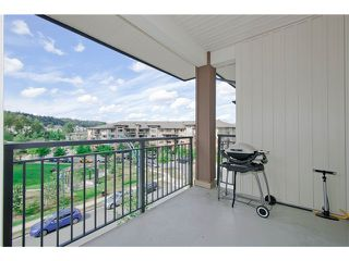 Photo 8: # 411 701 KLAHANIE DR in Port Moody: Port Moody Centre Condo for sale : MLS®# V1002002
