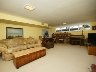 Photo 17: 2095 Mathers Avenue in Vancouver: Ambleside Condo for sale (Vancouver West)  : MLS®# V1047700