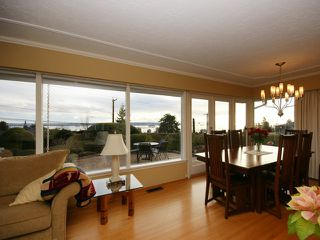 Photo 14: 2095 Mathers Avenue in Vancouver: Ambleside Condo for sale (Vancouver West)  : MLS®# V1047700