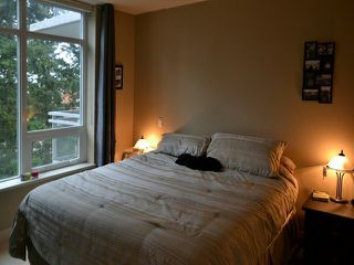 Photo 11: # 703 15152 RUSSELL AV: White Rock Condo for sale (South Surrey White Rock)  : MLS®# F1405044
