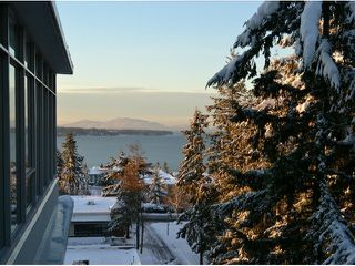 Photo 1: # 703 15152 RUSSELL AV: White Rock Condo for sale (South Surrey White Rock)  : MLS®# F1405044