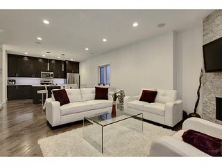 Photo 3: 2816 34 ST SW in Calgary: Killarney_Glengarry Townhouse for sale