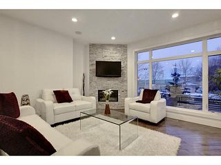 Photo 2: 2816 34 ST SW in Calgary: Killarney_Glengarry Townhouse for sale