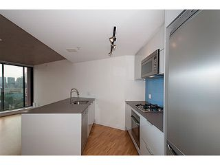 """Photo 9: 2109 128 W CORDOVA Street in Vancouver: Downtown VW Condo for sale in """"Woodwards W43"""" (Vancouver West)  : MLS®# V1079911"""