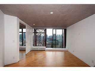 "Photo 1: 2109 128 W CORDOVA Street in Vancouver: Downtown VW Condo for sale in ""Woodwards W43"" (Vancouver West)  : MLS®# V1079911"