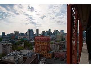 "Photo 4: 2109 128 W CORDOVA Street in Vancouver: Downtown VW Condo for sale in ""Woodwards W43"" (Vancouver West)  : MLS®# V1079911"
