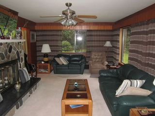 Photo 3: 63585 Gagnon Place in Hope: House for sale : MLS®# R2038578