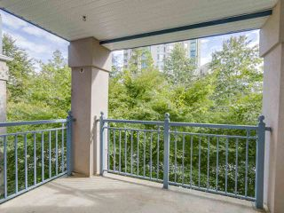 Photo 12: 304 1190 EASTWOOD STREET in Coquitlam: North Coquitlam Condo for sale : MLS®# R2112295
