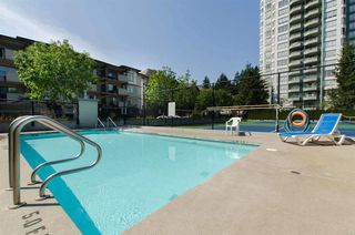 Photo 12: 1101 10082 148TH STREET in Surrey: Guildford Condo for sale (North Surrey)  : MLS®# R2153457