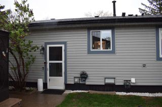 Photo 3: 10211 172 Avenue in Edmonton: Zone 27 House for sale : MLS®# E4198113