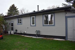 Photo 4: 10211 172 Avenue in Edmonton: Zone 27 House for sale : MLS®# E4198113