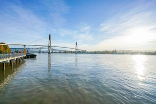 """Photo 32: 103 3 K DE K Court in New Westminster: Quay Condo for sale in """"Quayside Terrace"""" : MLS®# R2469047"""