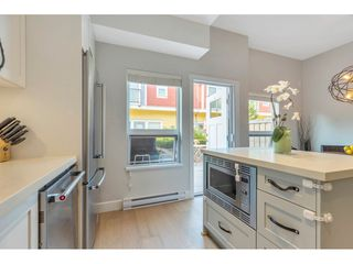 "Photo 11: 4901 47A Avenue in Delta: Ladner Elementary Townhouse for sale in ""VILLAGE WALK"" (Ladner)  : MLS®# R2481522"