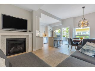 "Photo 4: 4901 47A Avenue in Delta: Ladner Elementary Townhouse for sale in ""VILLAGE WALK"" (Ladner)  : MLS®# R2481522"