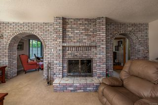 Photo 4: 3830 Laurel Dr in : CV Courtenay South House for sale (Comox Valley)  : MLS®# 854599
