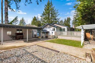 Photo 2: 15410 27A Avenue in Surrey: King George Corridor House for sale (South Surrey White Rock)  : MLS®# R2494497
