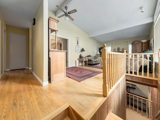 Photo 2: 1302 105 Avenue SW in Calgary: Southwood Detached for sale : MLS®# A1037106