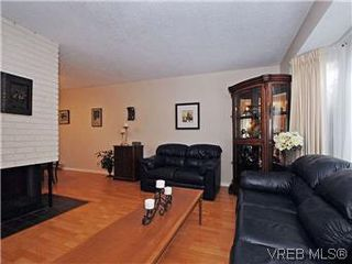 Photo 3: 1534 San Juan Ave in VICTORIA: SE Gordon Head Single Family Detached for sale (Saanich East)  : MLS®# 594747