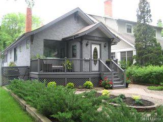 Main Photo: 307 Poplar Crescent in Saskatoon: Nutana Single Family Dwelling for sale (Saskatoon Area 02)  : MLS®# 443011