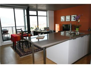 Photo 2: 1401 128 Cordova in Vancouver: Downtown VW Condo for sale (Vancouver West)  : MLS®# V1058798