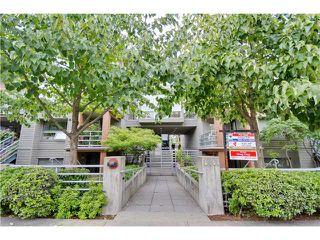 Main Photo: 3167 W 4TH AV in Vancouver: Kitsilano Condo for sale (Vancouver West)  : MLS®# V1131106