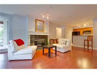 Photo 3: 3167 W 4TH AV in Vancouver: Kitsilano Condo for sale (Vancouver West)  : MLS®# V1131106