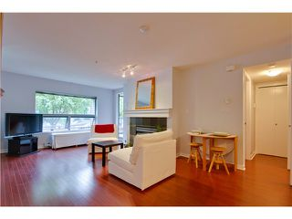 Photo 4: 3167 W 4TH AV in Vancouver: Kitsilano Condo for sale (Vancouver West)  : MLS®# V1131106