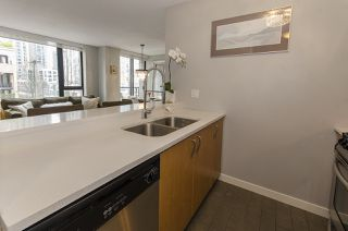 Photo 9: 309 1295 RICHARDS STREET in Vancouver: Downtown VW Condo for sale (Vancouver West)  : MLS®# R2028546