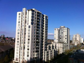 Photo 2: 908 3663 CROWLEY DRIVE in Vancouver: Collingwood VE Condo for sale (Vancouver East)  : MLS®# R2025954