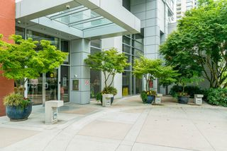 Photo 3: 3906 1408 STRATHMORE  MEWS STREET in Vancouver: Yaletown Condo for sale (Vancouver West)  : MLS®# R2293899