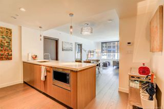 Photo 5: 1811 68 SMITHE STREET in Vancouver: Yaletown Condo for sale (Vancouver West)  : MLS®# R2283102