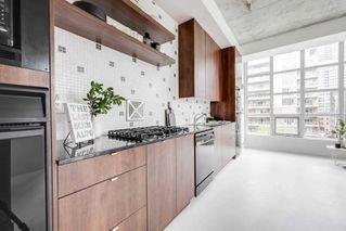Photo 3: 502 19 Brant Street in Toronto: Condo for sale : MLS®# C4471505