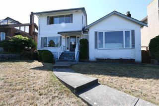 Photo 3: 4207 QUESNEL Drive in Vancouver: MacKenzie Heights House for sale (Vancouver West)  : MLS®# R2403769