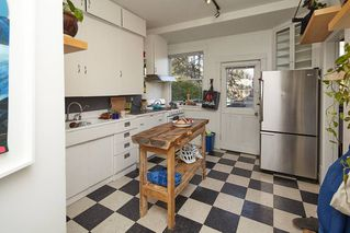 Photo 13: 1943 NAPIER Street in Vancouver: Grandview Woodland House for sale (Vancouver East)  : MLS®# R2423548