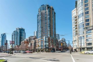 """Main Photo: 2103 212 DAVIE Street in Vancouver: Yaletown Condo for sale in """"Parkview Gardens"""" (Vancouver West)  : MLS®# R2445769"""