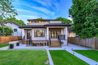 Photo 2: 2149 W 46TH Avenue in Vancouver: Kerrisdale House for sale (Vancouver West)  : MLS®# R2468496