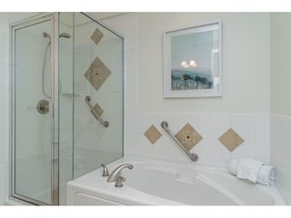 "Photo 16: 407 15357 17A Avenue in Surrey: King George Corridor Condo for sale in ""Madison"" (South Surrey White Rock)  : MLS®# R2479245"