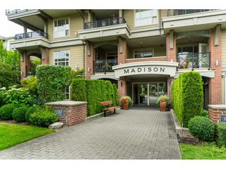 "Photo 2: 407 15357 17A Avenue in Surrey: King George Corridor Condo for sale in ""Madison"" (South Surrey White Rock)  : MLS®# R2479245"