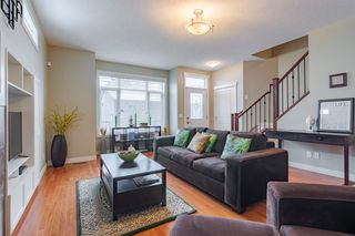 Photo 8: 2 127 27 Avenue NW in Calgary: Tuxedo Park Row/Townhouse for sale : MLS®# A1044558